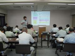 10.教室に戻り、試験結果を元にデータ整理。
