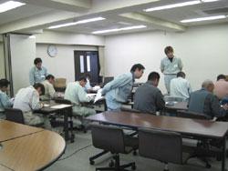 教室に戻り試験結果を元にデータ整理。